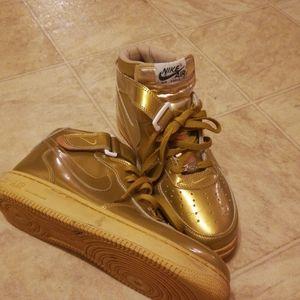 Nike Air Force 1 vintage gold sz 11 mens sneakers
